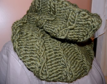 Soft Ribbed/Mock Cable Cowl Scarf in Moss Green