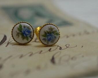 Dainty Earrings, Small Earrings, Romantic vintage Post Earrings