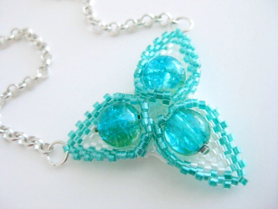 Peyote Flower Necklace  / Seed Bead Pendant in Sea Green and White / Beaded Triangle Pendant / Peyote Pendant / Peyote Triangle / Beadwork
