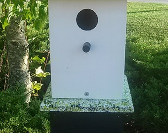 Cottage Chic Birdhouse, Wooden Bird Houses, Painted Birdhouses, Posted Bird Houses, Garden Gifts