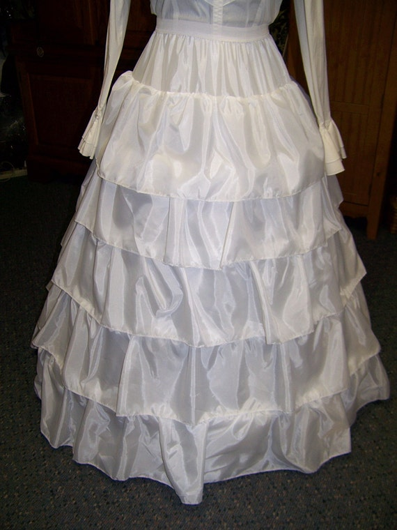"Ruffled Petticoat-4 Bone Hoop, WHITE Nylon, ajustable 80"" - 108"" circle hem length is 41"" long Steel Boning"