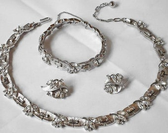 Trifari  VERSAILLES Rhinestone Parure Necklace Bracelet Earrings Set Bridal Wedding Hollywood Regency Madmen
