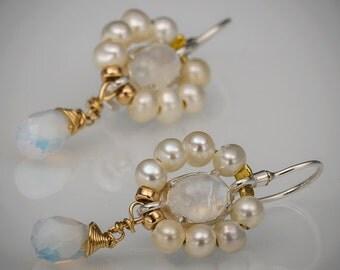 Moonstone Pearl Flower Earrings in 14K Gold Filled, Bridesmaid Earrings, Bridal Jewelry, Women's Jewelry
