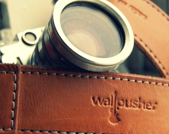 Stitched Leather Camera Strap in Tan