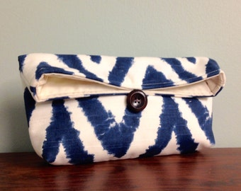 Navy Blue Chevron Clutch, Midnight Blue Zigzag Clutch, Natural Ivory, Chevron Makeup Bag, Bridesmaid Gift, Navy Clutch, Blue Clutch