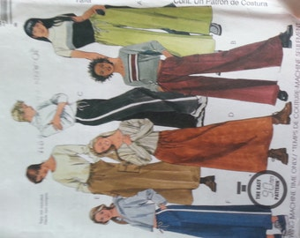 Easy Wide Leg Pants or Skirt with Cargo Pocket option XSmall 4 6 McCalls 9578
