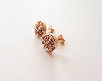 Rose gold druzy earrings. Druzy stud earrings. Copper druzy. Titanium druzy. Rose gold earrings. Rose gold jewelry. Bezel setting. 8mm. 10mm