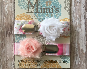 Shabby chic pacifier clip