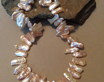 Peach Keishi Stick Pearl Necklace