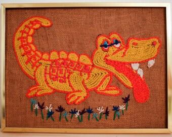 super goofy aligator yarn art