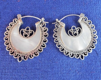 Balinese Sterling Silver White Mother of Pearl Hoop Earrings / Bali handmade jewelry / silver 925 / 1.25 inch diameter