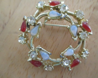 vintage costume jewelry  / brooch