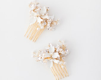 Bridal Hair Comb, Wedding Hair Comb, Crystal Hair Comb, Floral Headpiece, Beaded Headpiece, Gold Bridal Comb, Pearl Hair Comb - Style 421