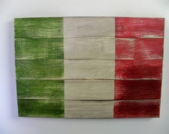 Distressed Italian Flag Wood Wall Hanging