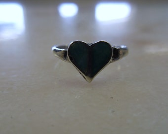 Vintage Native American Turquoise Heart Sterling Silver Ring
