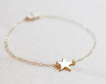 Gold Sideways Star Bracelet