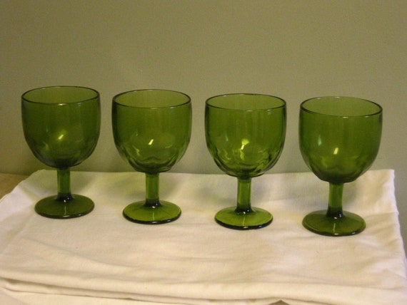 Set Of 4 Vintage Large Heavy Green Goblets Thick Pedestal Beer