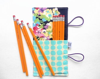 Items similar to Wallet Style Green Canvas Crochet Hook ...