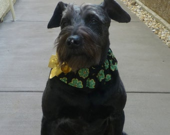"Celtic Clover St. Patricks Day Dog Scrunchie with gold bow - Size L: 16"" to 18"" neck - TrY Me PRiCe"