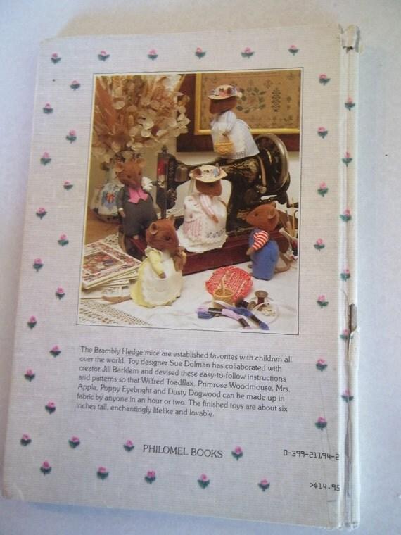 Sale Vintage 1985 - The Brambly Hedge Pattern Book - Soft