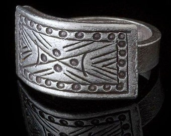Tribal Silver ring with an etched rectangle surface, Ethnic jewellery, Gypsy jewellery, Tribal jewllery, Boho jewellery, Unisex silver ring