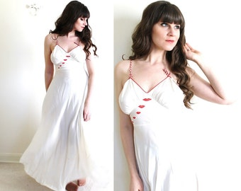 1930s Nightgown / 1930s Lingerie / Valentines Day Lingerie