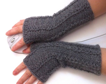 Fingerless gloves   with  patern  Hand knit gloves