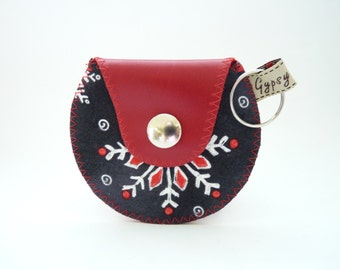 Snowflake Coin Purse / The Mini Gypsy Change Purse / Red Leather and Chalk Snowflake Cotton