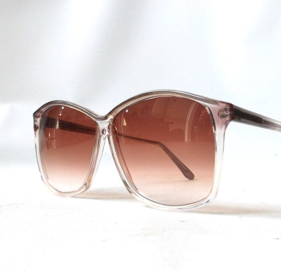 Vogue Plastic Frame Glasses : vintage 1970s vogue sunglasses plastic by RecycleBuyVintage