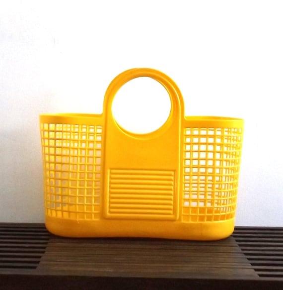 vintage 1970's plastic basket tote bag carrying market