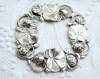 Antiqued silver plated Water Lily Art Nouveau stamping frame, lot of (1) - MR135
