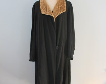 1920s black wool coat / 20s wool coat with faux fur collar /
