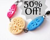 SALE 50% OFF hot pink cream and blue bracelet - floreal flower spring summer plexiglass and black metal chain