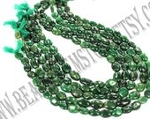 Green Aventurine Smooth Oval (Quality B) / 36 cm / 20 to 22 Grms. / 7x9 to 9x12 mm / BOG-003