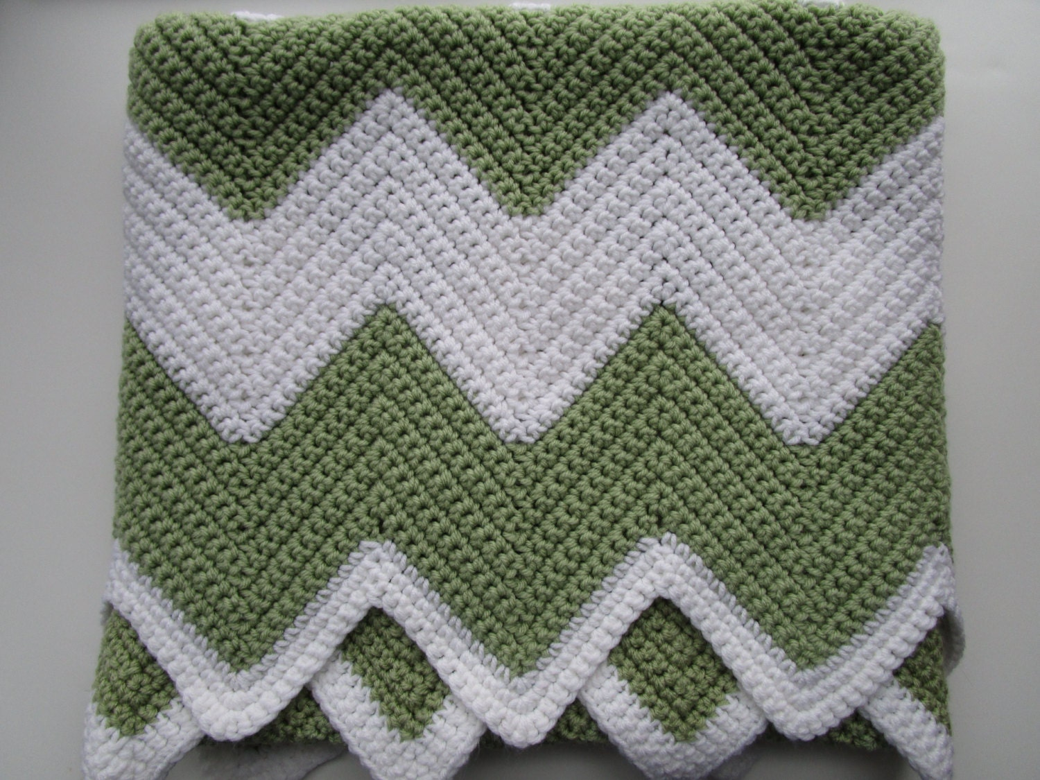 Free Crochet Pattern Baby Blanket Chevron : Crochet Chevron Baby Blanket www.galleryhip.com - The ...