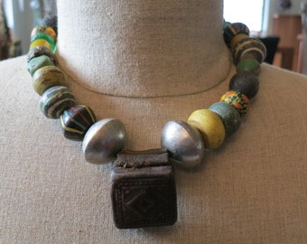 Vintage Hebron, amulet and glass beads necklace 2