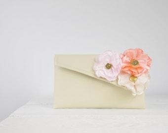 Custom Bridesmaids Clutch - Create a Custom Bridesmaid Clutches in your choice of fabric