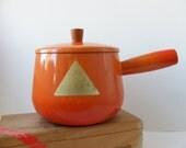 Vintage French Enameled Cast Iron Flame Orange Saucepan Pot Aubeco Foil Label 1.5 Quarts