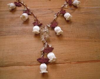 Off white tulip necklace, crochet