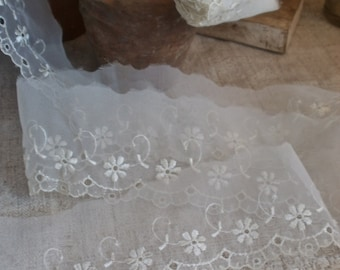 Vintage Lace Trim. Sheer Floral Lace, Vintage Wedding/ Something Old. French Haberdashery Old New Stock 4.5 yards Antique Lace