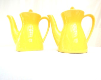 vintage teapots.coffeepots.two.unique shape.single serve.small.sunny yellow.tea or coffee time.ceramic.tessiemay