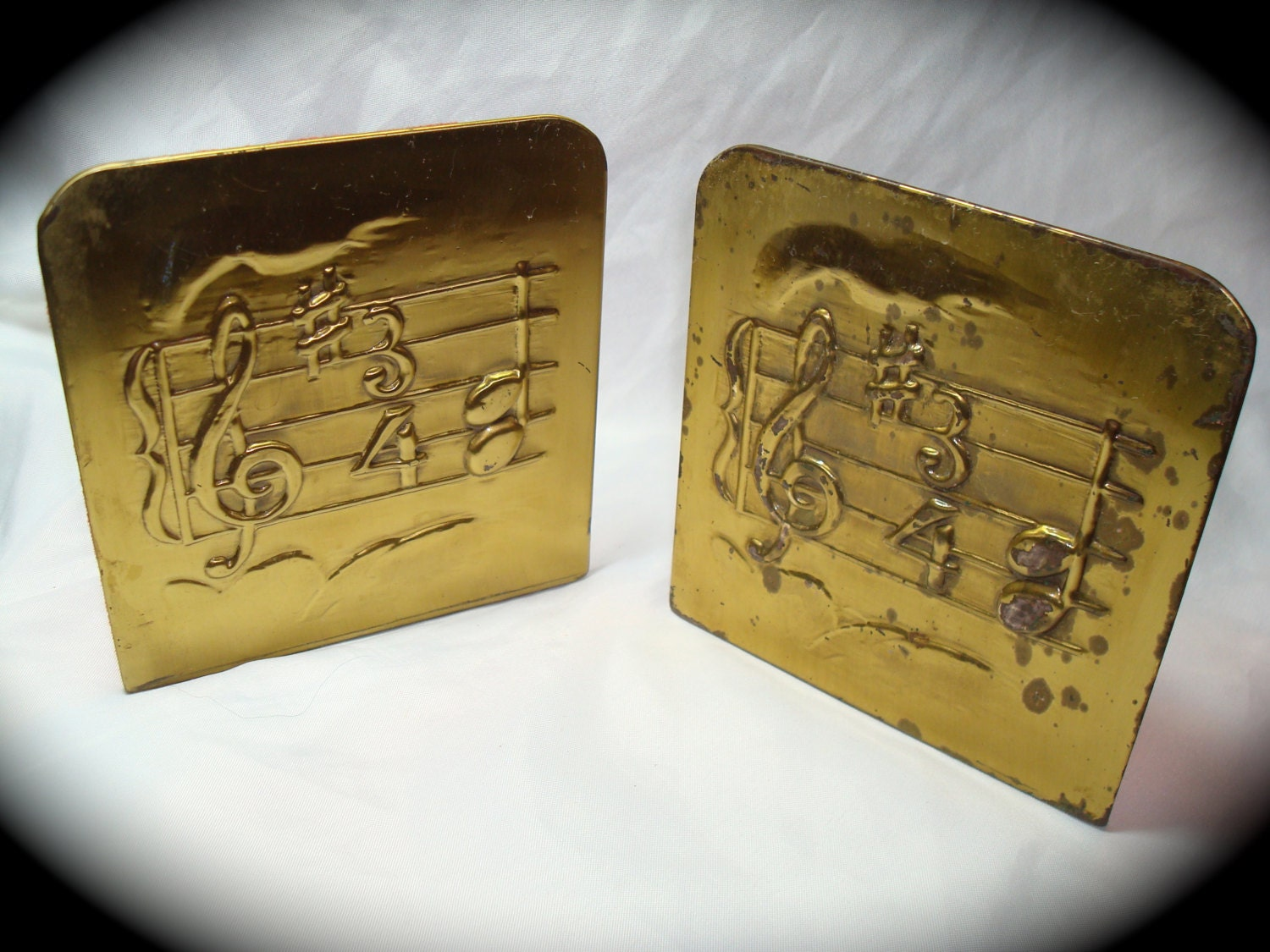 1960s brass bookends with musical score treble clef - Treble clef bookends ...