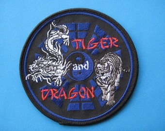 Iron-on Embroidered Patch 8 trigrams TIGER and DRAGON 4 inch