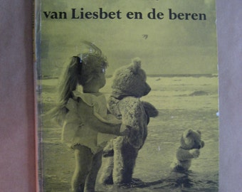 """vintage Dutch translation of Dale Wright''s book """"A Holiday for Edith and the Bears"""""""