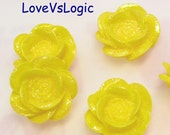 6 Glitter Flower Lucite Cabochon. Bright Yellow Tone