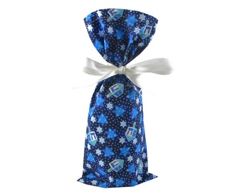 Wine Bottle Bag for Hanukkah Gift in Dark Blue with Silver Dreidels