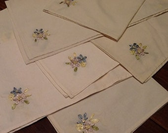 Vintage Napkins / Vintage Table Linens / Six Vintage Napkins / Silk Ribbon Embroidery