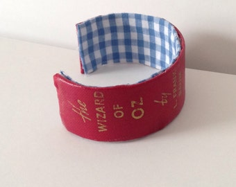 The Wizard of Oz Book Spine Bracelet