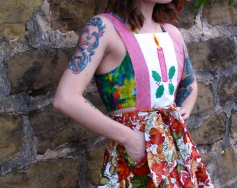 Vintage 1980s CHRISTMAS Floral Red and Orange Short Skirted APRON Mad Men 1960s style