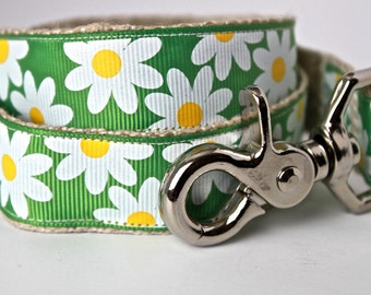 ON SALE - Daisy Dog Leash, Floral Dog Leash, Summer Dog Leash, Girl Dog Leash, Spring Dog Leash